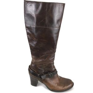 Born Brittney Heeled Boots Harness Distressed 10